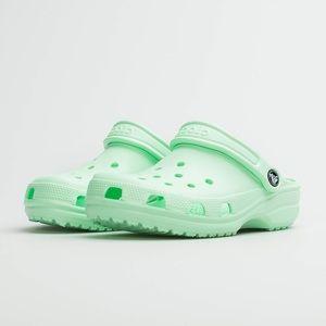 Crocs Neo Mint Classic Clogs
